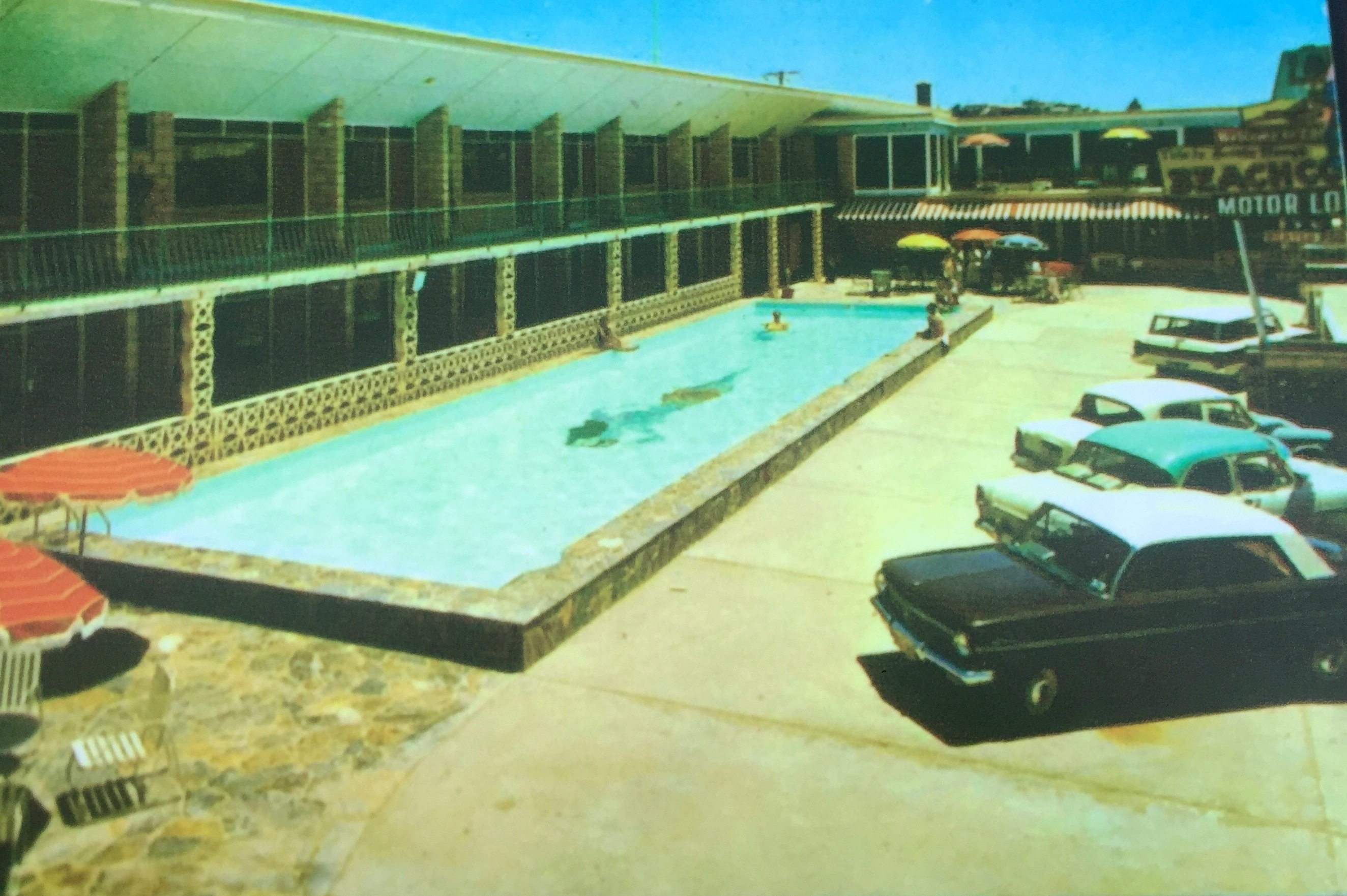 In 1957, hotelier Bernie Elsey and his friends started the legendary Pyjama Parties at his Beachcomber Hotel and Sea Breeze Hotel. The hotel was regularly raided to enforce an archaic law that prohibited the selling of alcohol where dancing was conducted.
