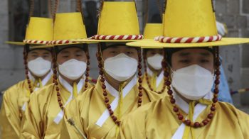 Coronavirus: Every American should wear face masks in public, says Donald Trump