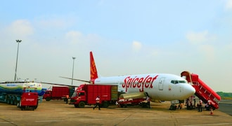 AAI asks SpiceJet to operate on cash and carry basis, but defers decision later