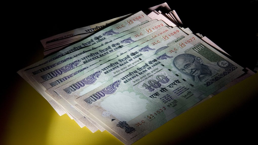 Rupee extends losses after hitting 5-month low, opens at 70.82 a dollar