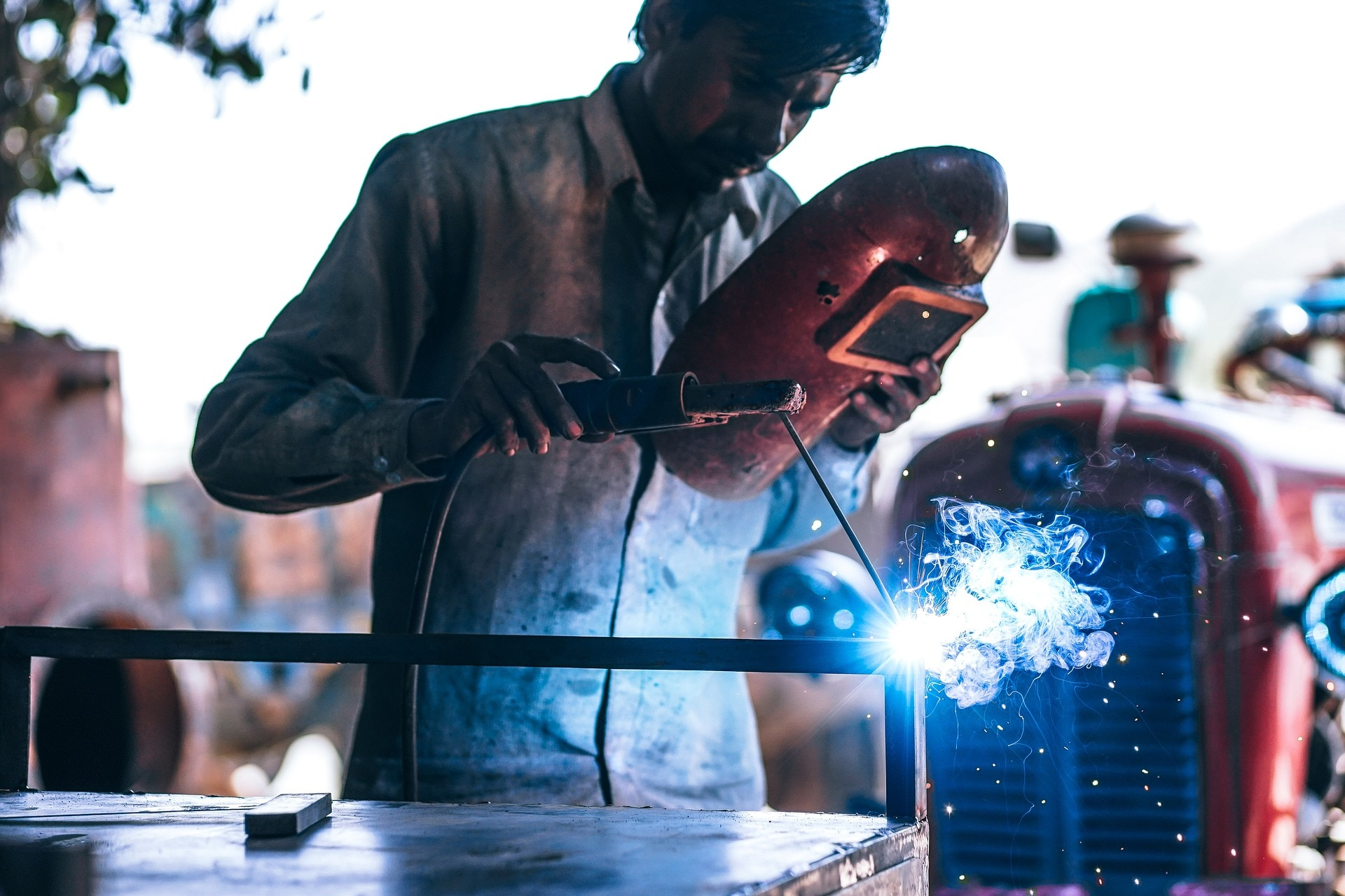 9. India's Industrial Production Declines: In signs of continuing weakness in the economy, India's factory output shrank to the lowest level in eight years as all three broad-based sectors of capital goods production, consumer durables, and infrastructure and construction goods contracted. The Index of Industrial Production (IIP) fell 4.3 percent in September as compared to a contraction by 1.4 percent in August 2019 and a growth of 4.6 percent in factory output in the same month a year back, data released by the Ministry of Statistics showed on Monday. The second straight month of contraction has taken the IIP to its lowest level since it shrank by 5 percent in October 2011. On a quarterly basis, the second quarter of 2019-20 fiscal (July-September) saw IIP contracting by 0.4 percent (Q1 3 percent expansion and 5.3 percent growth in Q2 FY19). Image: Reuters)