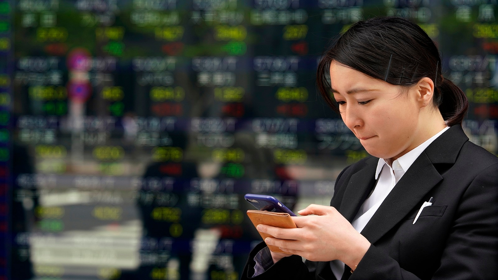 1. Asian stocks:MSCI's broadest index of Asia-Pacific shares outside Japan shed 0.3 percent, easing back from a four-month peak touched the previous day, reported Reuters. The index stood little changed on the week. Japan's Nikkei fell 1.2 percent.(Image: Reuters)