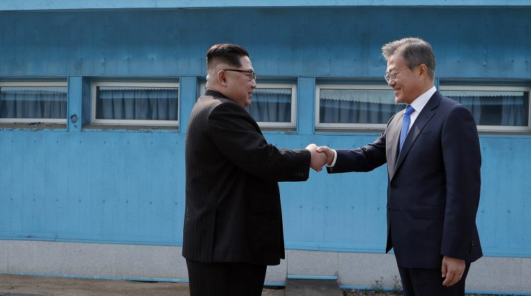 North, South Korea agree to goal of 'complete denuclearisation' of Korean peninsula