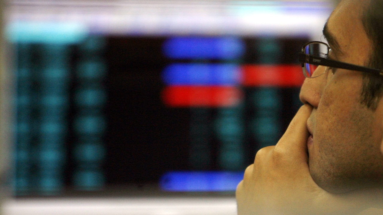 3. Markets At Close On Tuesday: Indian equity indices reversed losses to end higher for the second straight day on Tuesday, with the Nifty ending above 11,900. The broader Nifty closed 0.38 percent higher at 11,910.3, while the benchmark Sensex settled 0.33 percent firmer at 39,816.48. The rupee closed at Rs 68.92 against the US dollar, 0.03 percent lower on Tuesday. Meanwhile, foreign institutional investors (FIIs) sold shares worth Rs 512 crore on a net basis in the cash market, while domestic institutional investors (DIIs) bought shares worth Rs 141 crore. (Image: Reuters)
