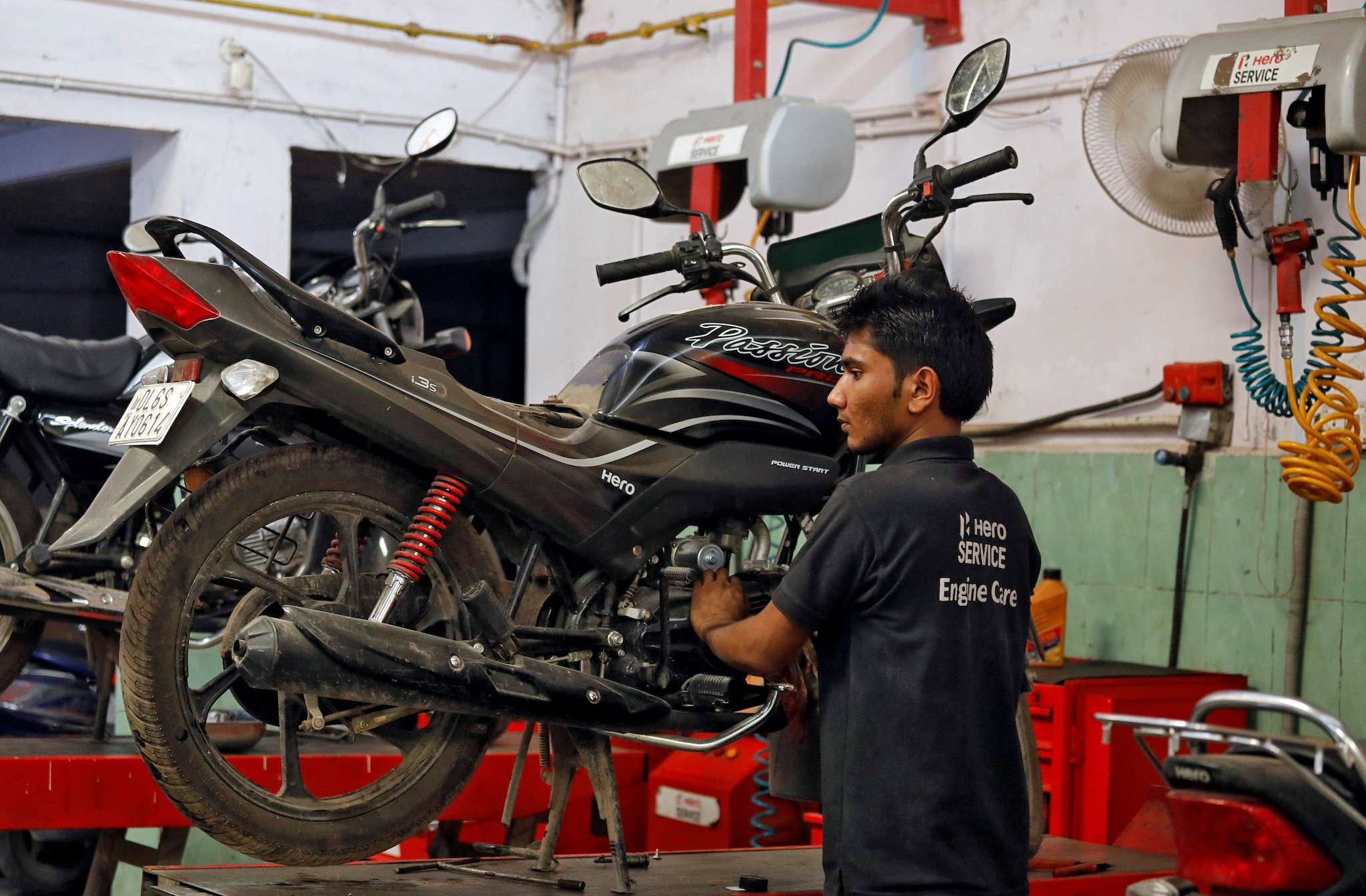 Hero MotoCorp fell 6.2 percent to hit its 52-week low of Rs 2,255 per share on the NSE ahead of its Q1 earnings. (Image: Reuters)