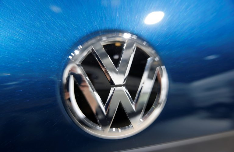 Volkswagen to invest $800 million, build new electric vehicle in US