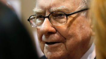 5 of Warren Buffett's best tips for investing in the stock market