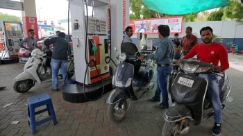 Congress accuses Modi of using petrol price as political tool, demands cut