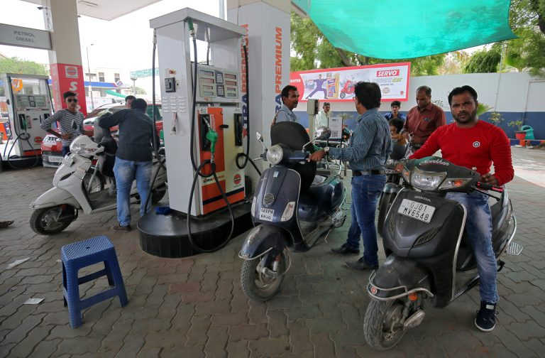 Maharashtra government follows centre's path; Reduces petrol price by another Rs 2.5 per litre