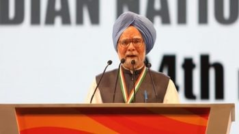 Manmohan Singh defends Nyay, says it won't entail new taxes