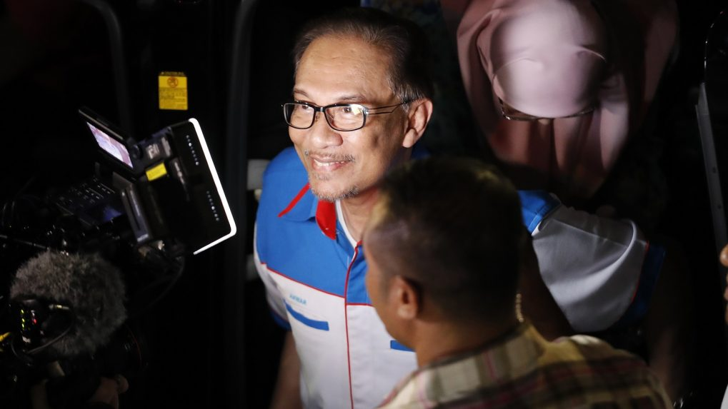 Time to replace affirmative action policies with pro-poor program, says Malaysia's Anwar Ibrahim