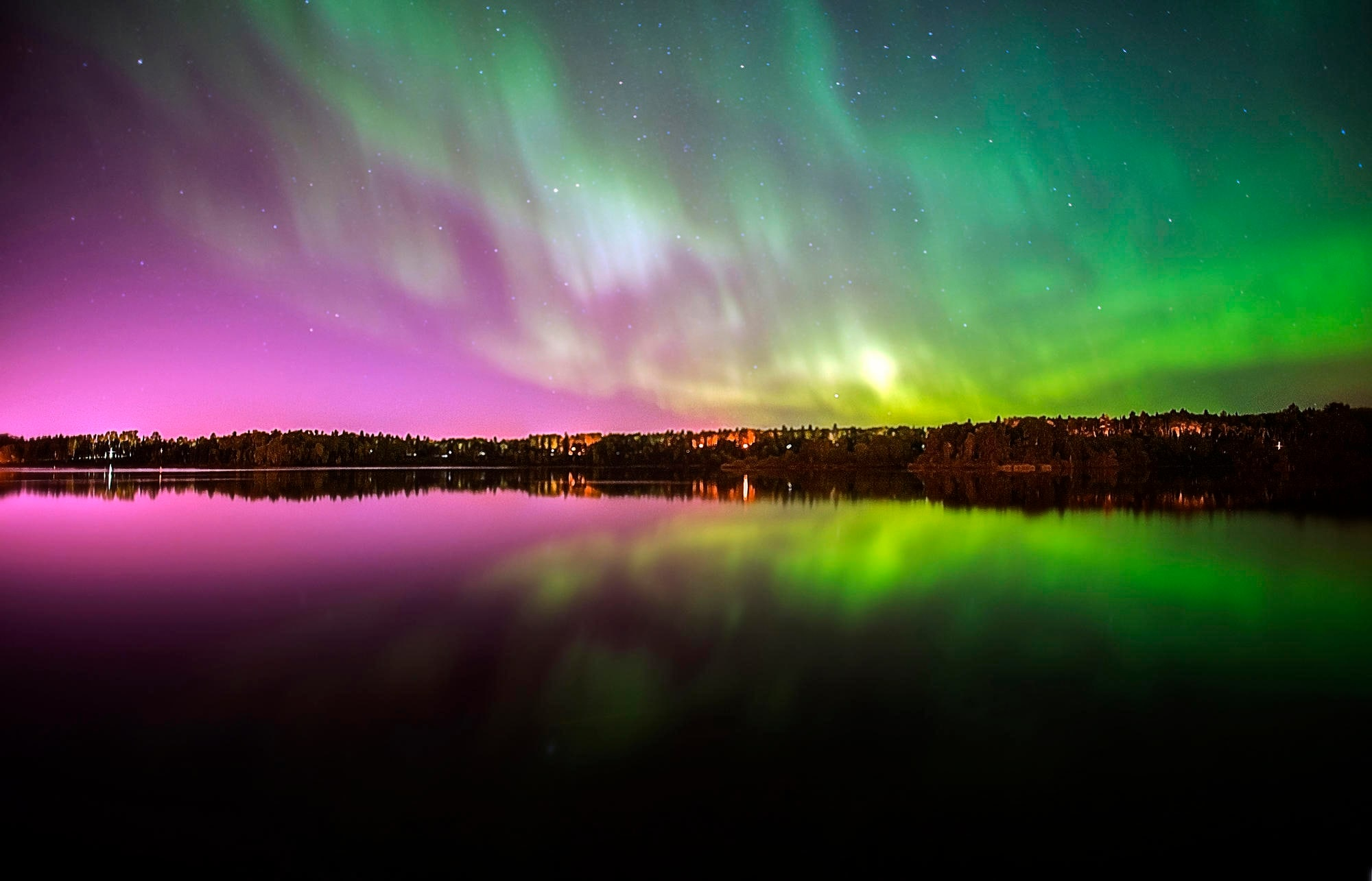 <strong>Kirkenes, Norway:</strong> Fly off to the Scandinavian nation to witness the mesmerising Northern Lights, while cooling off your heels on a snow clad ground. Remember to pack your winter clothes and a tent and spend the night away looking at nature's most beautiful creation.