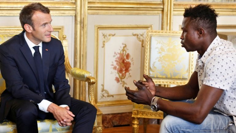 France to make Malian 'hero' legal for scaling building to save child