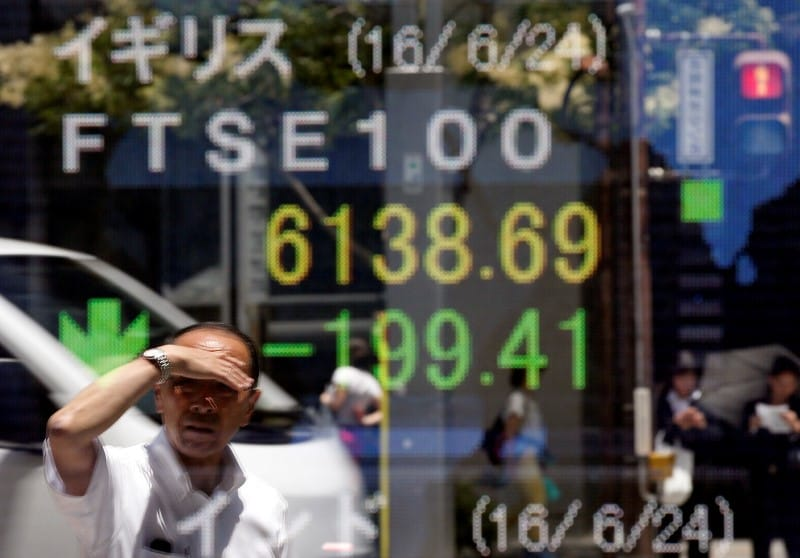 FTSE 100 set for hesitant recovery in 2019 amid Brexit crunch: poll