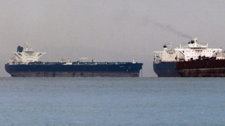 US says countries buying Iranian oil will be subject to sanctions