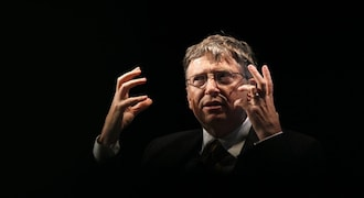 Bill Gates, on China trip, lauds free trade - and futuristic toilets