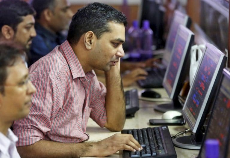 AGR case: Telecom stocks fluctuate; Reliance Communications gains most this week, Vodafone Idea slips