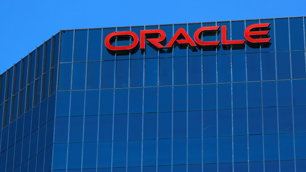Oracle to hire 2,000 workers in India and US in a bid to expand cloud business