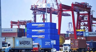China October exports surge, imports rise amid global recovery