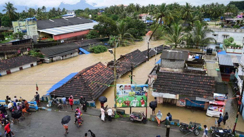Thousands cry out for help in Kerala as death toll rises
