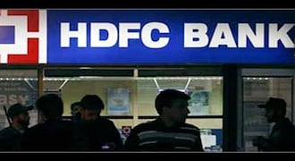 The m-cap of HDFC Bank zoomed Rs 9,089.48 crore to Rs 6,91,457.21 crore and that of ICICI Bank advanced Rs 8,210.91 crore to Rs 3,47,551.97 crore.