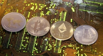 US SEC halts trading in two cryptocurrency products, citing market confusion