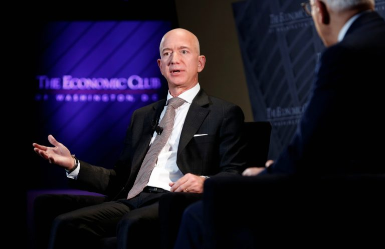 Jeff Bezos thinks smart people make decisions differently than everyone else. Here's why