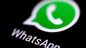 WhatsApp quietly rolls out tool to share status on Facebook