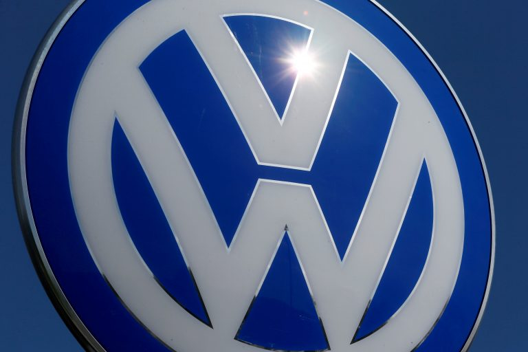 Volkswagen will support retrofitting of older diesel cars in Germany