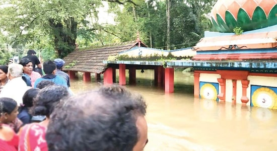 Kerala announces Rs 5 lakh compensation to families who lost loved ones, Rs 10 lakh for loss of property