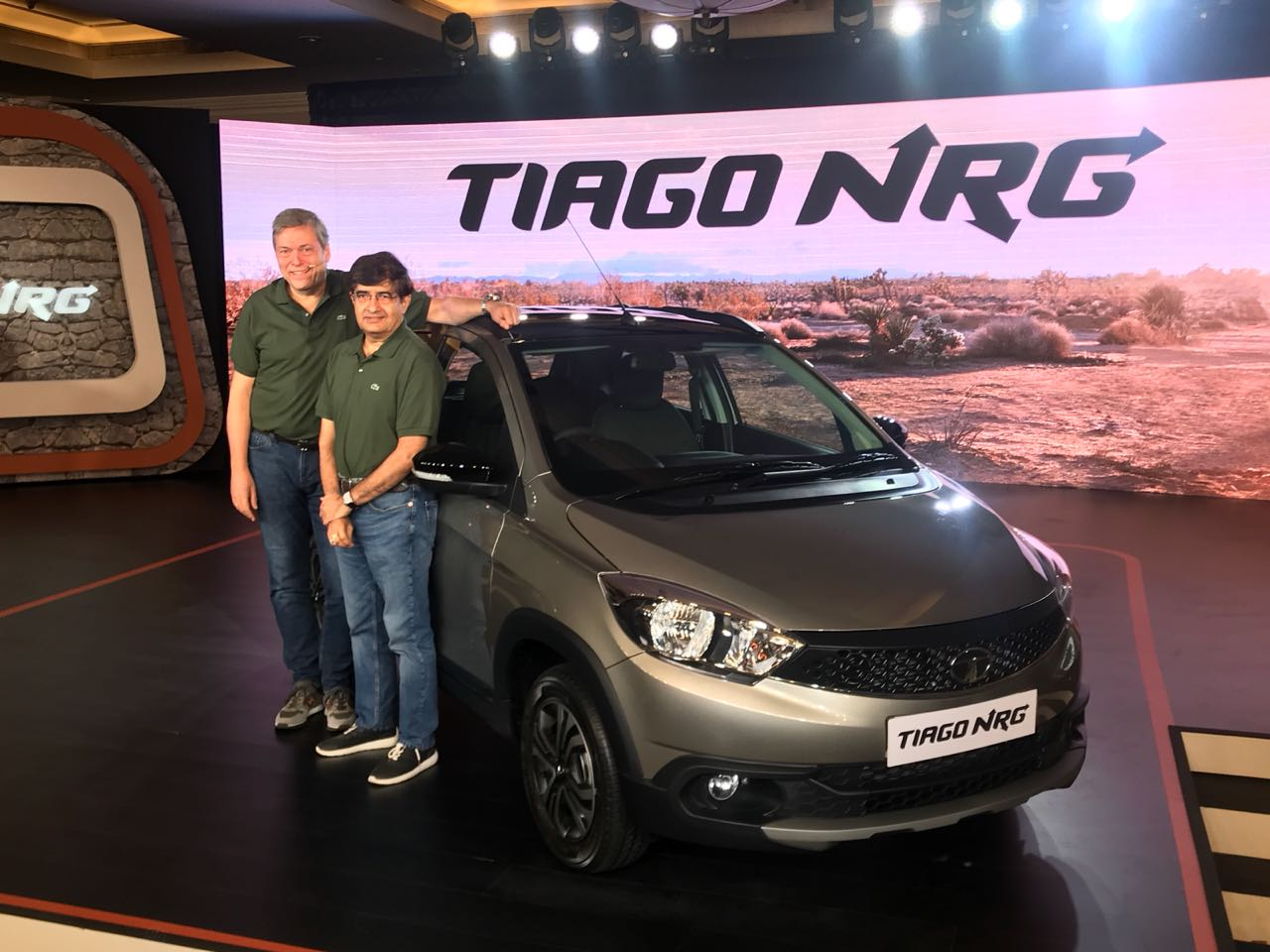 The car is slightly wider, taller and longer than the Tiago hatch. To give it a sporty look Tata Motors has given the NRG a black body kit, in the front, it showcases a two-toned front bumper. The NRG also gets a black roof spoiler.