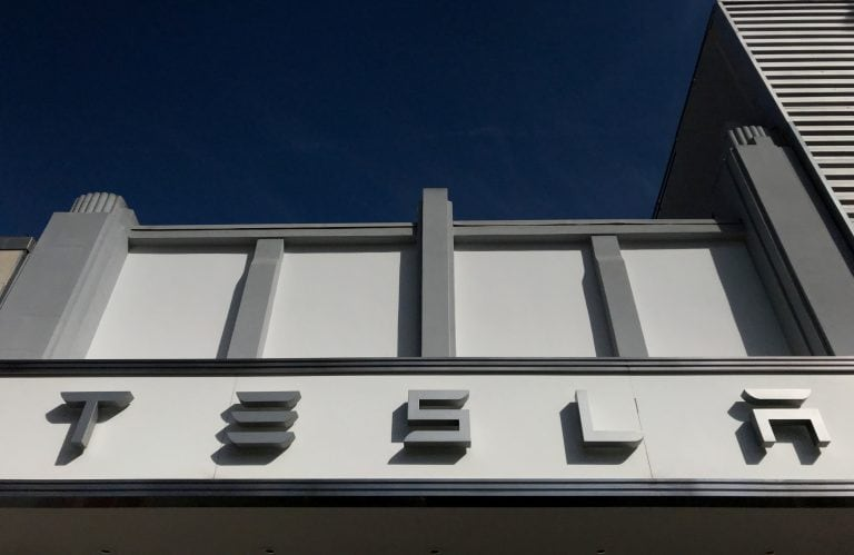 Tesla restarts its solar-panel business, offers rental plans