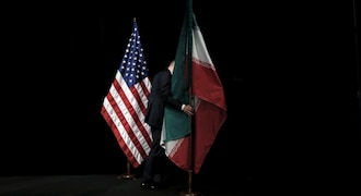 US sanctions on Iran come into force; Pompeo dodges question on commitment from India, China
