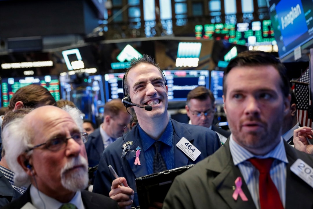 2. US: The S&P 500 and the Dow reversed losses to close higher on Wednesday and US Treasury yields slipped after remarks by Federal Reserve Chair Jerome Powell tempered the market's initial reaction to the US central bank's policy statement. The Dow Jones Industrial Average edged up 0.13 percent to end at 27,148.08 points, while the S&P 500 gained 0.03 percent to 3,006.73. The Nasdaq Composite dropped 0.11 percent to 8,177.39. (Image: Reuters)