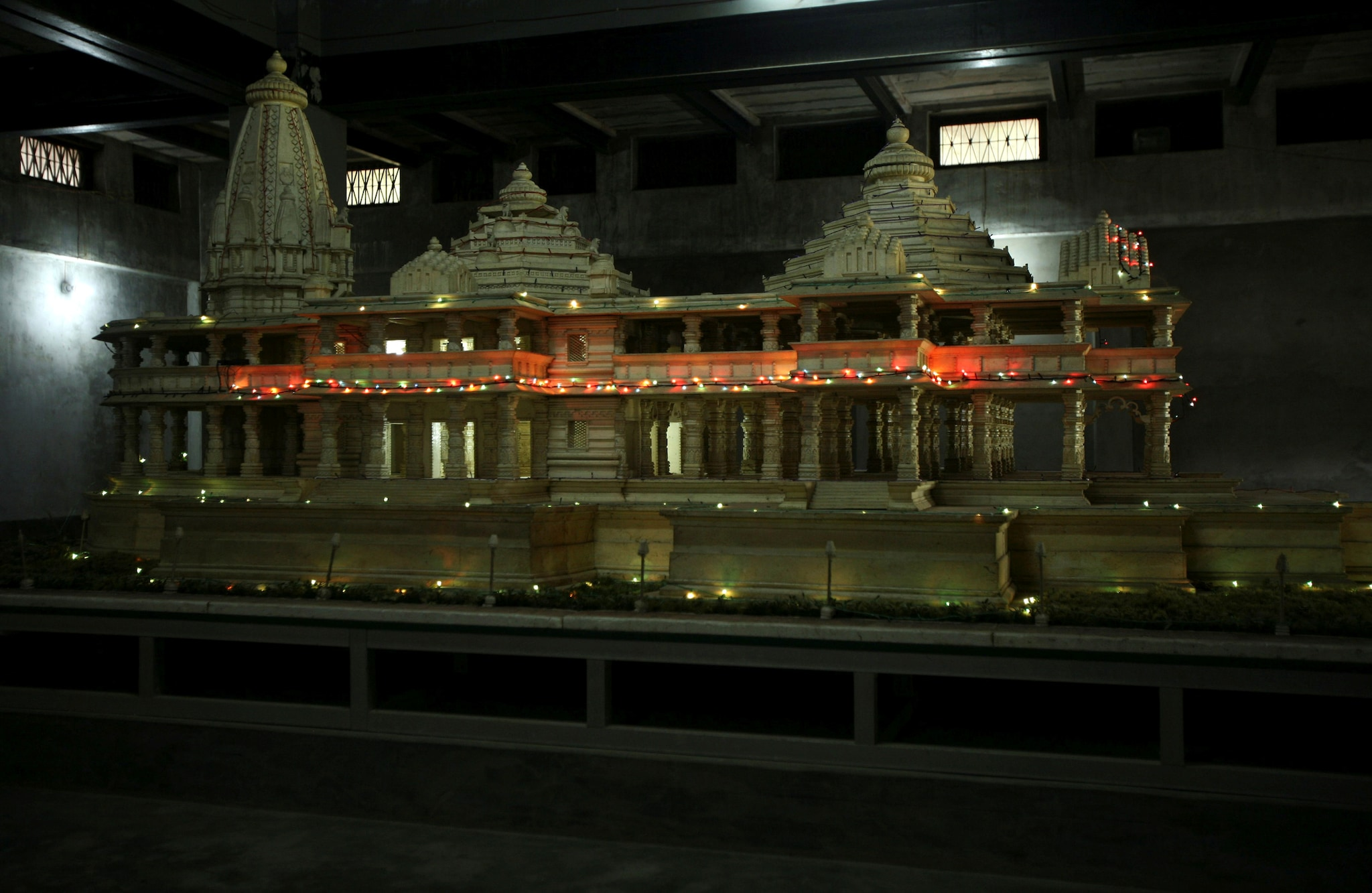 A model of a proposed Ram temple, which Hindus want to build on the site of the demolished Babri Mosque, is pictured in Ayodhya September 30, 2010. REUTERS/Mukesh Gupta/File photo