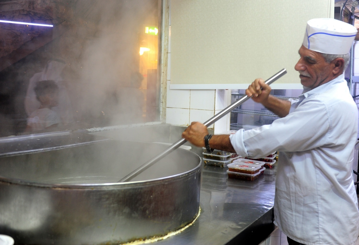 Halwa being made in Doha's Souq Waqif