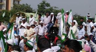 Kisan Kranti Yatra: Thousands of farmers protest at Delhi border