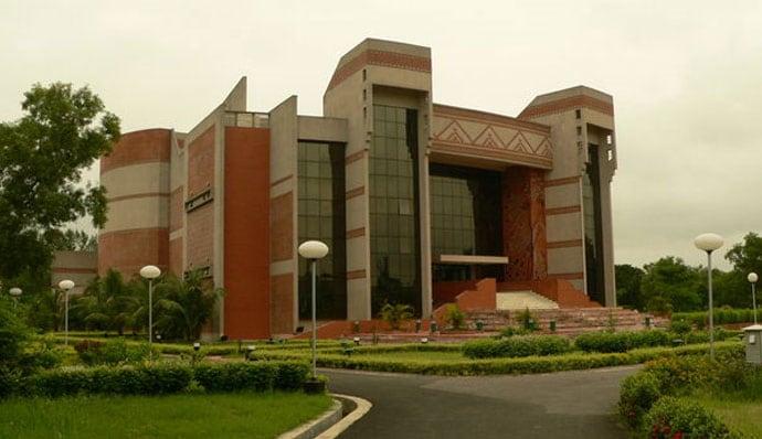IIM Calcutta may soon get a US-based academic as its director: report