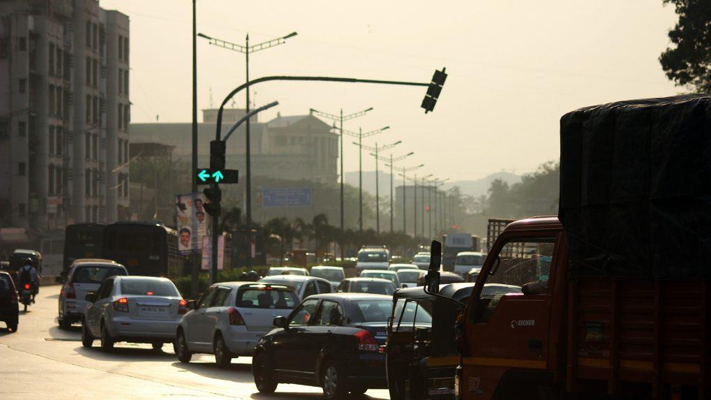 Broken bridges, ruined roads worsen Mumbai's traffic mess