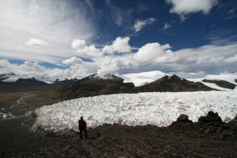 China glacier melt speeds up in 'wake-up call' for world: Greenpeace