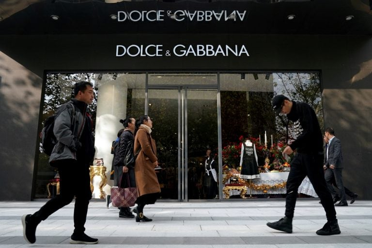 Dolce & Gabbana say sorry, in Chinese, after race row