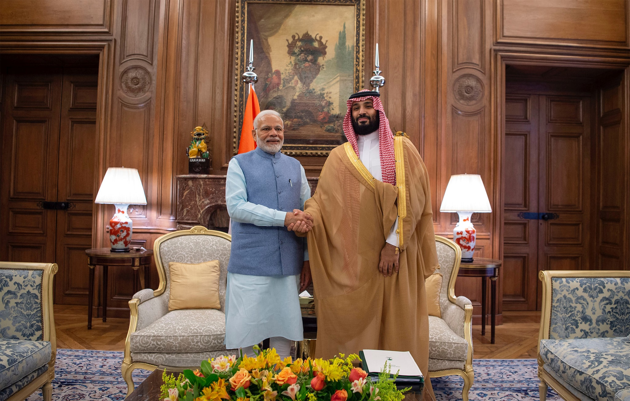 Saudi Arabia's Crown Prince Mohammed bin Salman shakes hands with Prime Minister Narendra Modi in Buenos Aires, Argentina November 29, 2018. Bandar Algaloud/Courtesy of Saudi Royal Court/Handout via REUTERS