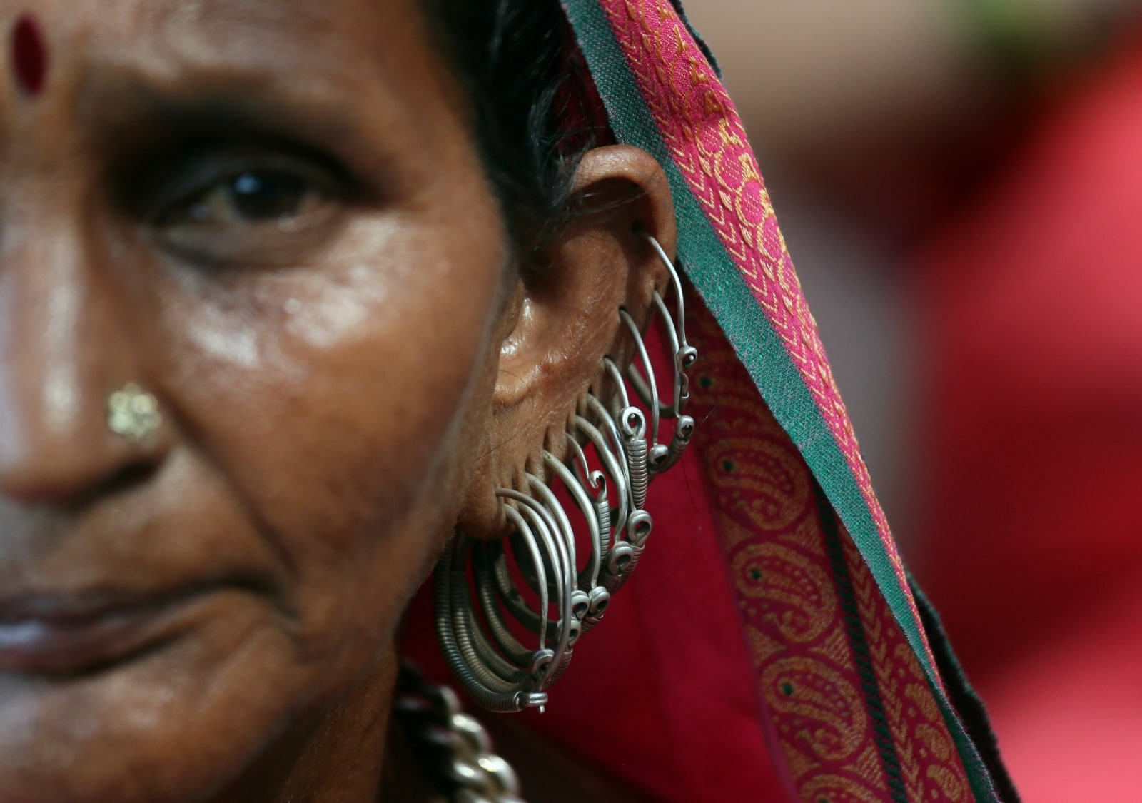 Santhibai, a 50-year old farmer, attends a protest rally demanding loan waivers and the transfer of forest lands to villagers who have farmed there for decades, in Mumbai, November 22, 2018. REUTERS/Francis Mascarenhas