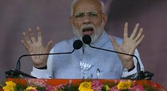 Those in habit of looting money now afraid of 'chowkidar,' says PM Modi
