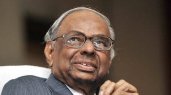 Former RBI Governor C Rangarajan asks government and RBI to uphold the spirit of accommodation