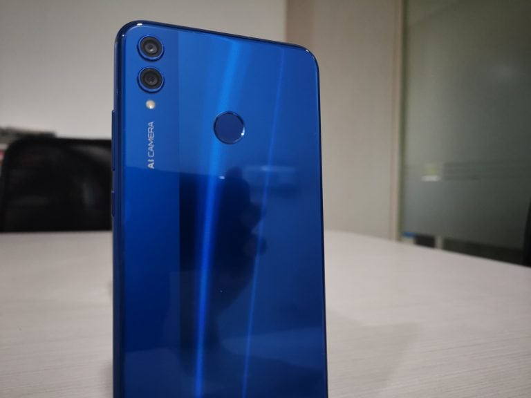 Honor 8X: Premium looks, average camera