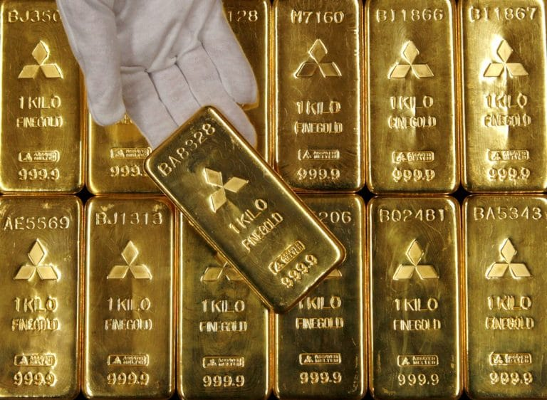 Gold hits six-month peak on global economy worries, US government shutdown