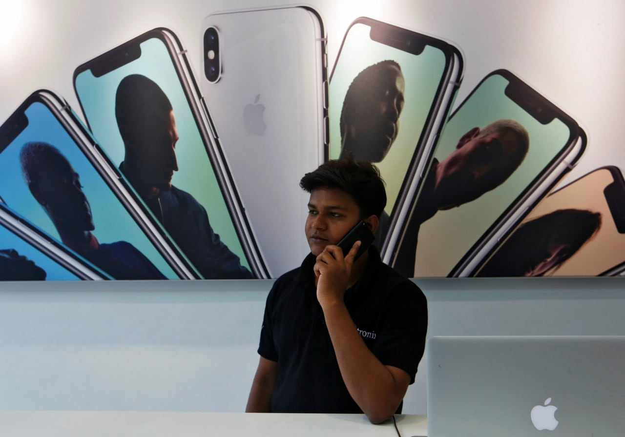 10. Government On Apple Manufacturing: The government on Monday exhorted iPhone maker Apple to expand manufacturing base in India, and use the country as export hub, as it promised to line up fresh incentives and sops to galvanise electronics as well as phone industry in coming 2-3 months. Apple's manufacturing investment so far is only the