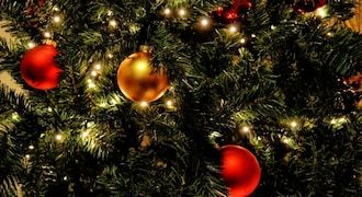 Christmas 2020: Become your loved one's Santa by giving these financial gifts