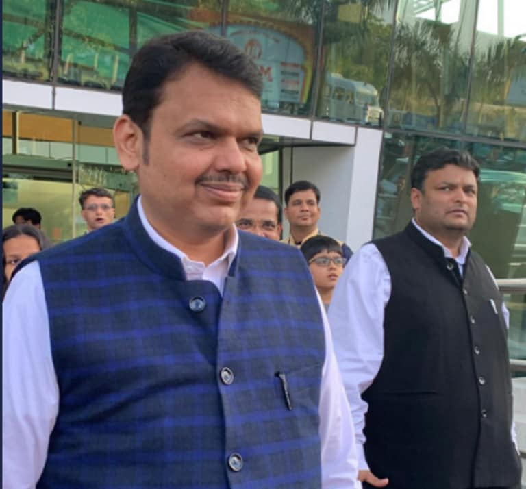 Fadnavis and Uddhav to begin joint poll meetings from today